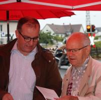 Am Infostand zur Landtagswahl 2013