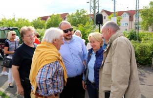 Im Gespräch mit Bernd Rützel und Martina Fehlner: Ex-Bürgermeister Lothar Schaffrath,Rafael Herbrik und Klaus-Dieter Hollstein