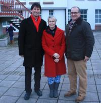 Mit Bettina Göller, Bürgermeisterkandidatin in Großostheim, und Wolfgang Jehn, Landratskandidat vor dem Rathaus Stockstadt