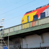 Seit dem 26. August 2019 fährt die HLB wieder über die Mainbrücke.